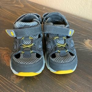 Stride rite made to play sandals